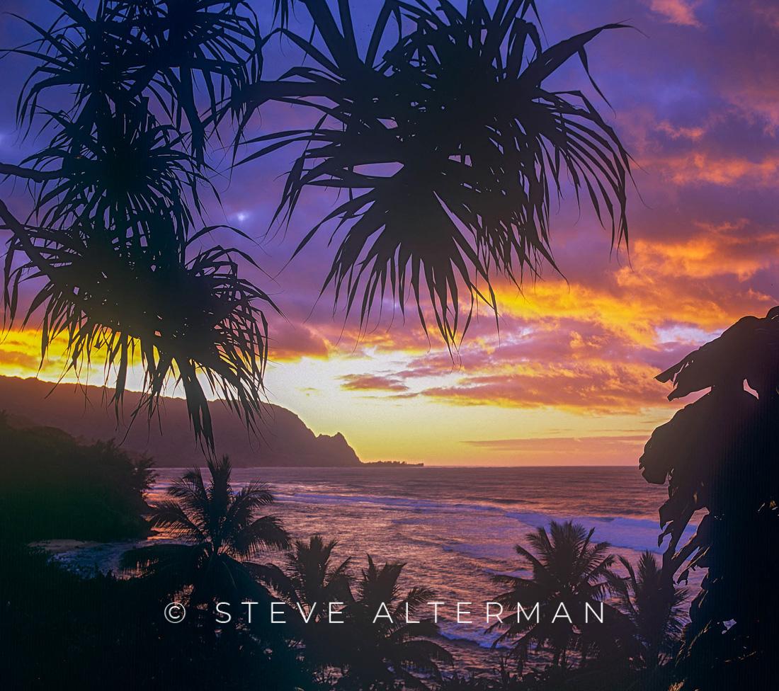 319 Sunset from Pali Ke Kua, North Shore, Kauai