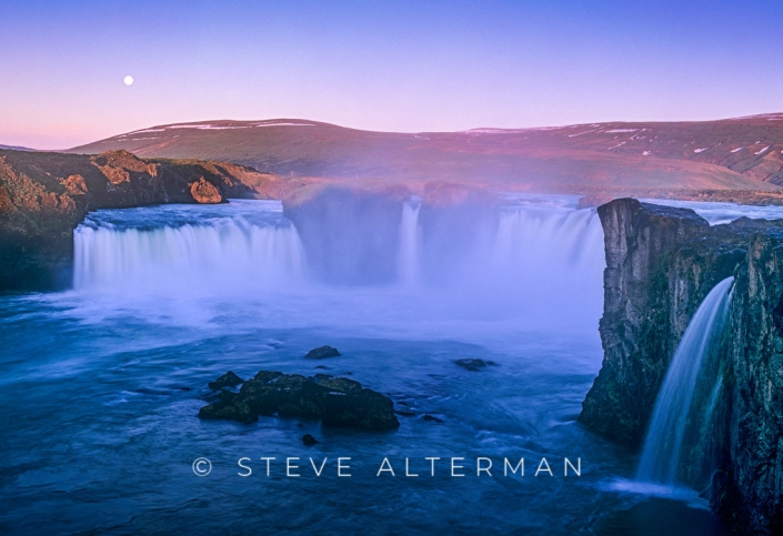 406 Midnight at Godafoss