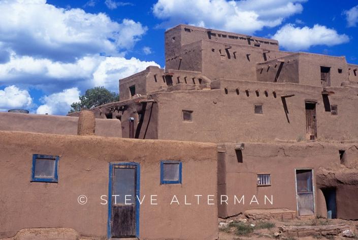 813 Taos Pueblo, New Mexico